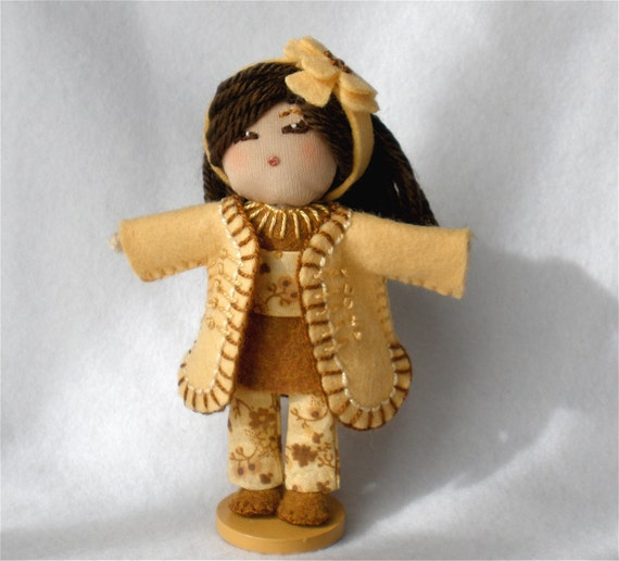 """Set of 5 Halfpenny Vntge boy doll yarn wrapped approx 2/"""" from England"""