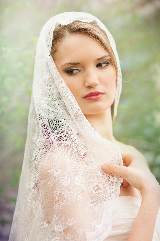 Chantilly Lace Mantilla Wedding Veil Bridal Veil Romantic ...