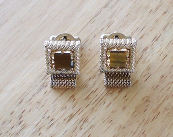 Vintage Gold Tone With Brown Iridescent Glass Center Cuff Links.