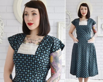 Vintage 1950s Black and Blue Cotton Print House Dress with Sheer Details by Wrap N Snap Size Small