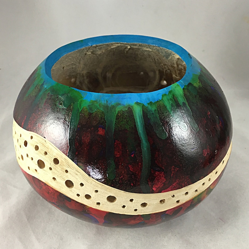 Gourd art vessel carved and dyed
