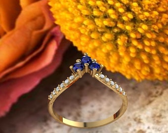 Unique Curved wedding band 14K gold Round Natural Sapphire /Moissanite wedding ring stacking matching band Bridal set Promise Gift for women