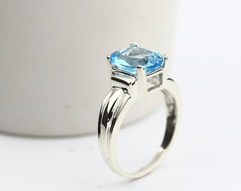 Natural  VVS Swiss Blue Topaz Solid 14K White Gold solitaire Ring