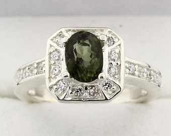 Natural VVS Green Tourmaline Solid 14K White Gold Diamond Ring
