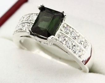 Natural VVS Green Tourmaline Solid 14K White Gold Diamond Ring