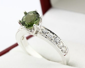 Natural IF  Green Tourmaline Solid 14K White Gold Diamond Ring