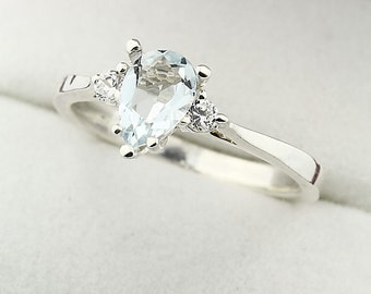 Natural Light blue Aquamarine Solid 14K White Gold Diamond Ring