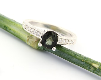 VVS Natural Green Tourmaline Solid 14K White Gold Diamond Ring