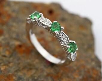 Natural Tsavorite Green Garnet  Solid 14K White Gold Diamond wedding band ring