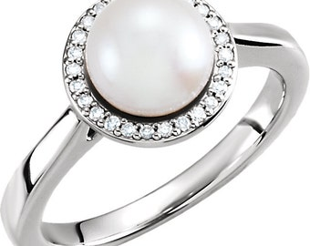7.5mm-8mm Freshwater Cultured Pearl and  Diamond Ring ---- 14k White Gold ST7582