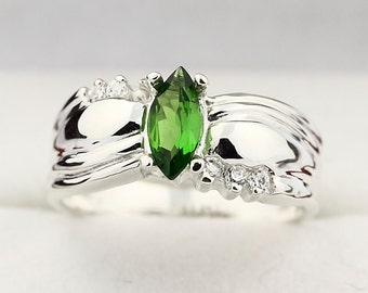 Natural Green chrome diopside Solid 14K White Gold Diamond Ring