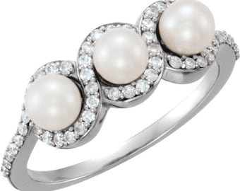 3 Round Freshwater Cultured Pearl and  Diamond Ring ---- 14k Yellow Gold/White gold selectable ST7588