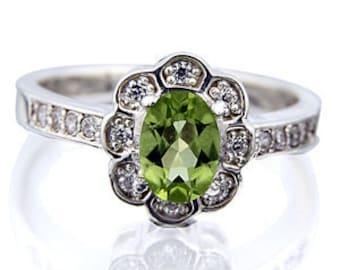 Gorgeours 7x5mm Peridot 14K White Gold Pave Diamond Ring
