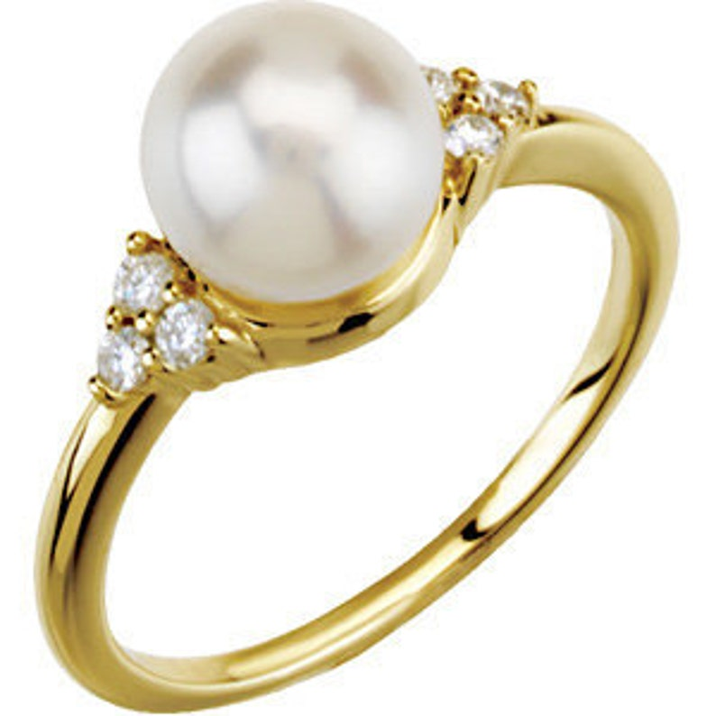 7.5mm Freshwater Cultured Pearl and Diamonds Ring  14k image 0