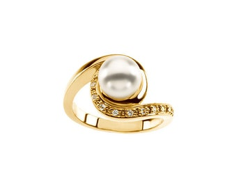 7.5mm Round Freshwater Cultured Pearl and  Diamond Ring ---- 14k Yellow Gold  ST7514