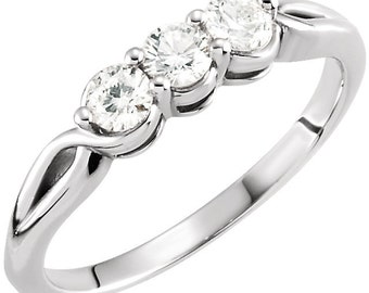14kt White 1/2 CTW Diamond 3-Stone wedding Ring ST233338