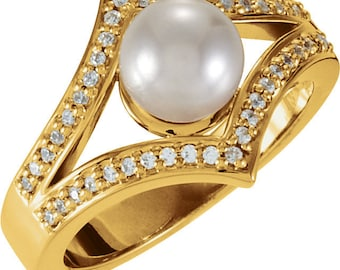 7.5mm Round Freshwater Cultured Pearl and  Diamond Ring ---- 14k Yellow Gold ST7497