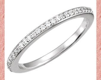 14k White Gold  Natural Diamond Wedding Band Ring