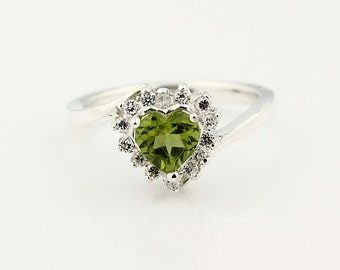 Natural 6mm Green Peridot  Heart shape Solid 14K White Gold Diamond Ring