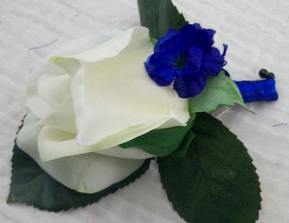 Bleu Et Naturel Blanc Real Touch Rose Bud Boutonnieres Bal Etsy