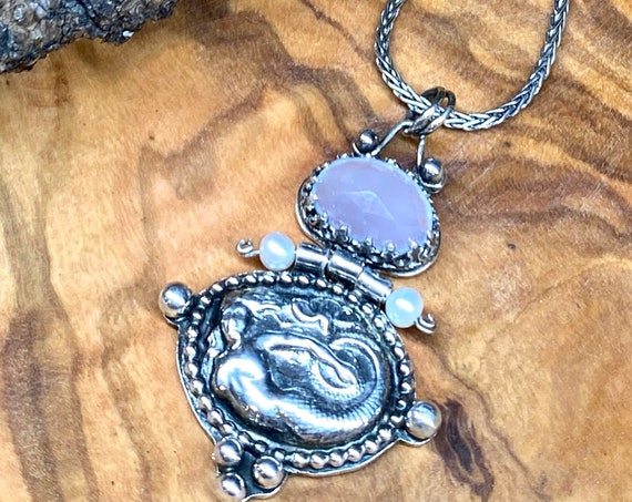 Etruscan Revival Art Nouveau Mermaid necklace with Chalcedony and Freshwater Pearls
