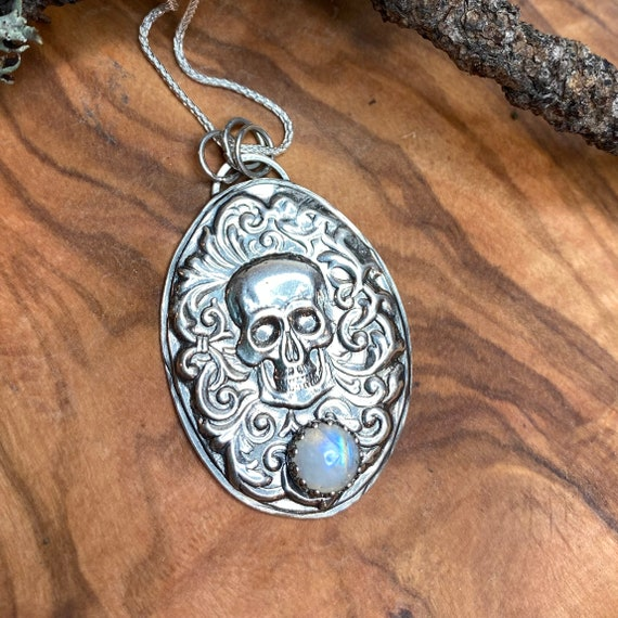 Awesome gothic skull with moonstone pendant