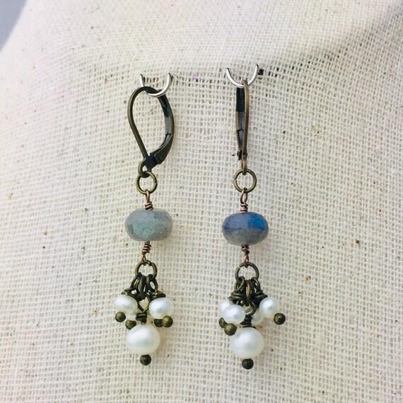 Freshwater pearl and labradorite bead earrings
