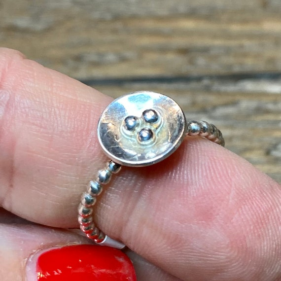 Delicate Birds Nest Ring in sterling silver - size 8