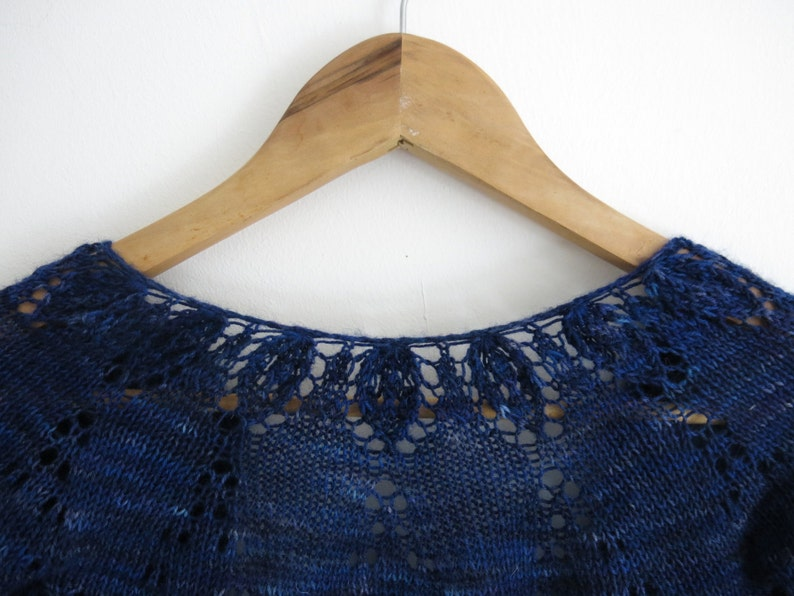 PATTERN Lace Cropped Cardigan Pdf Knitting Pattern / Shrug image 0