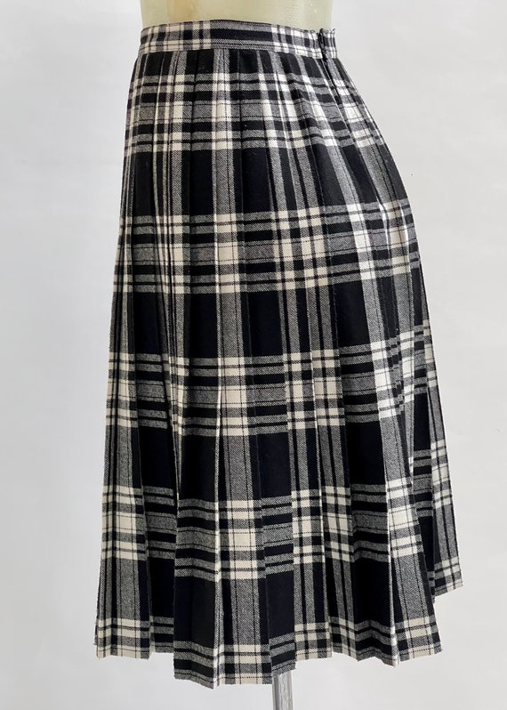 Black and White Tartan-Check Pleated Wool Skirt - image 3