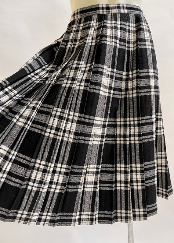 Black and White Tartan-Check Pleated Wool Skirt - image 5