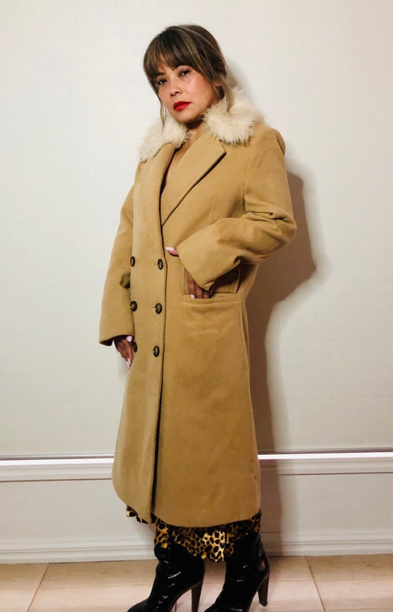 Camel double-breasted faux fur collar coat