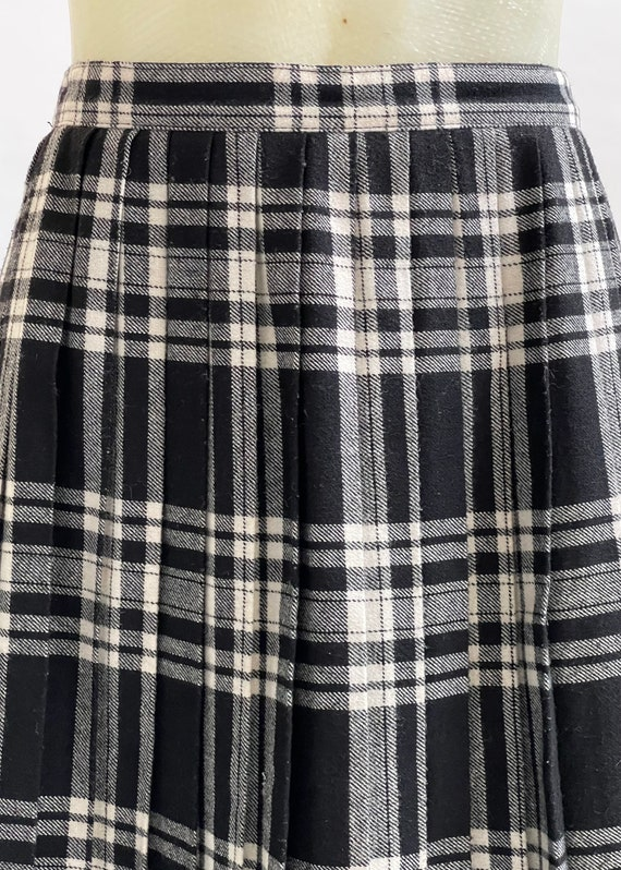 Black and White Tartan-Check Pleated Wool Skirt - image 7
