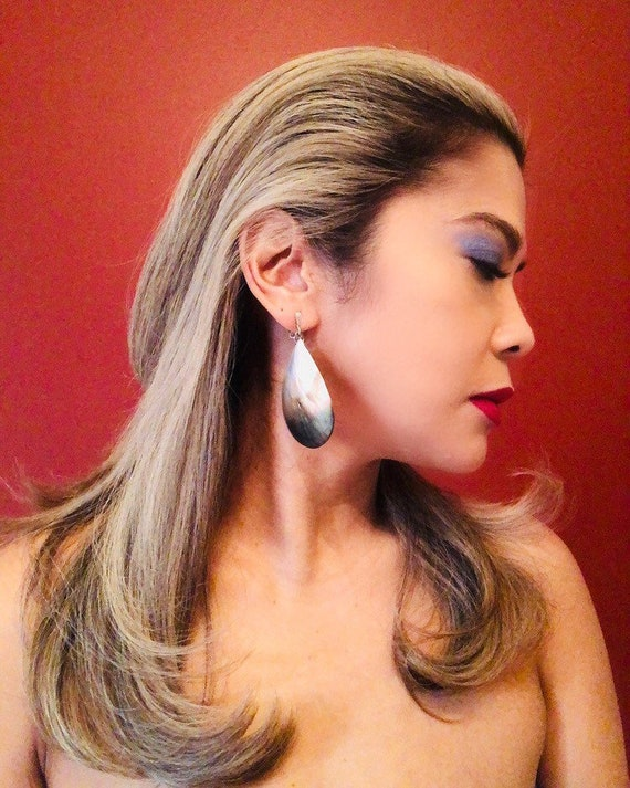 Vintage Mother of Pearl Shell Teardrop Earrings