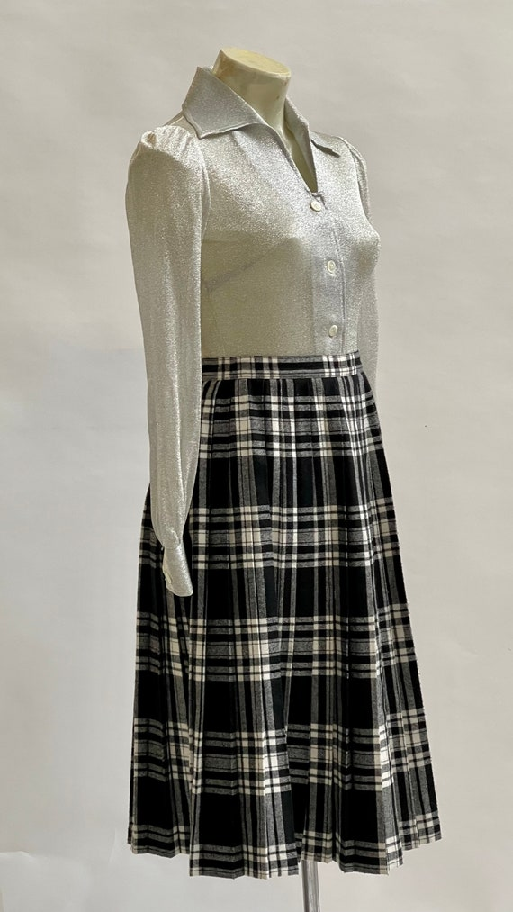 Black and White Tartan-Check Pleated Wool Skirt - image 9