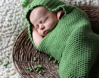 Pea Pod Cocoon/Bean Pod Cocoon (fits 0-3 months)