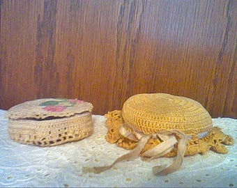Lot of 2 vintage crocheted pin cushion and thread holder with darning thread needle & pins