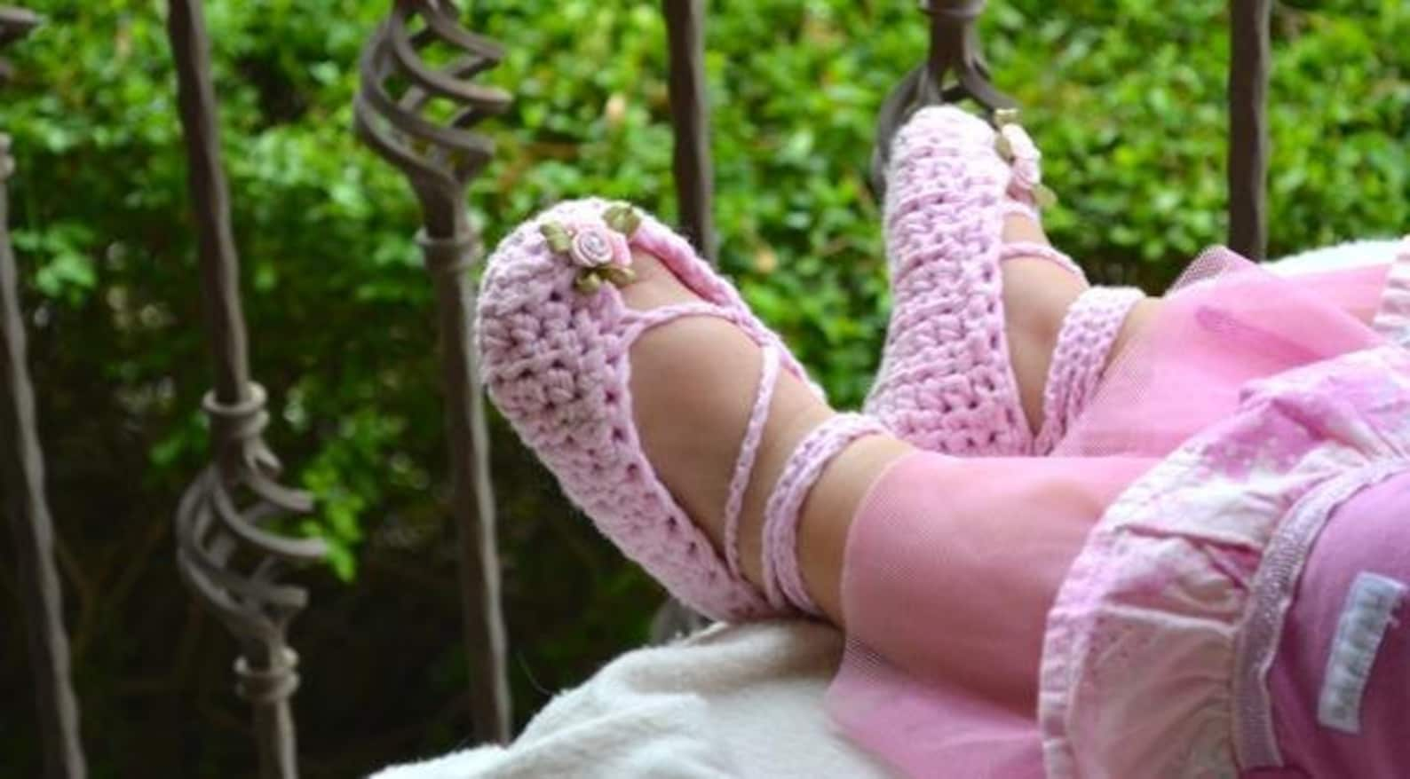 crochet pattern,crochet lace headband,ballet slippers,crochet booties,gift set,baby girls,toddler,pink,spring,ballet flats with