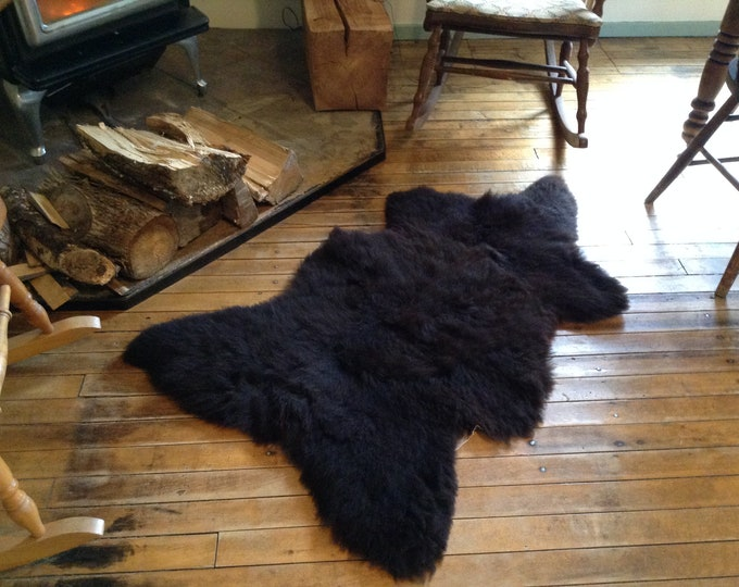 Bear Skin Rug / Natural Long Wool Black Sheepskin / sheepskin rug / Lamb Skin / Midnight Black Rug / Accent Rug