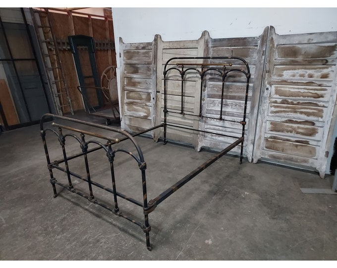1890,S IRON BED
