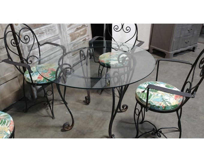 1940'S Round Cast Iron Table And Four Chairs # 185646
