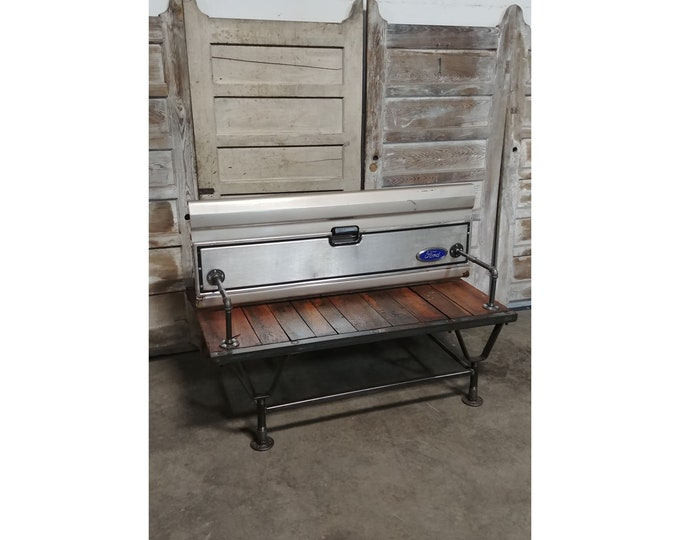 Cool Ford Bench - 186041