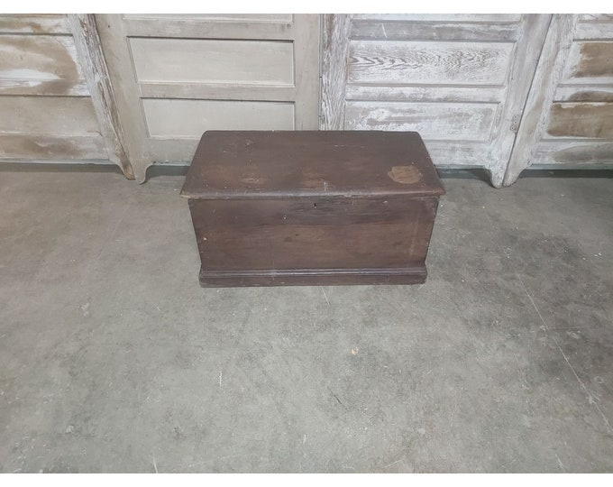 EARLY 1800'S TRUNK # 186282