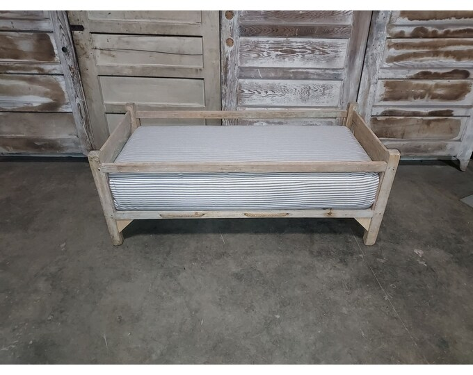 Early 1800,s Primitive Childs Bed # 186220