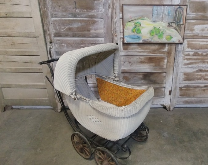 VICTORIAN WICKER CARRIAGE # 182951
