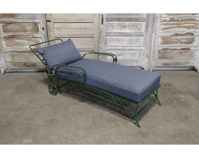 1930'S Iron Chaise With New Outdoor Fabric Cushions