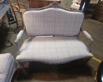 VINTAGE FRENCH SETTEE # 182011