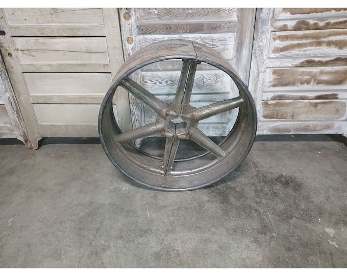 LARGE 1900,S PULLY WHEEL # 186295