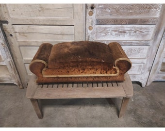 FOOTSTOOL WITH STORAGE # 186655