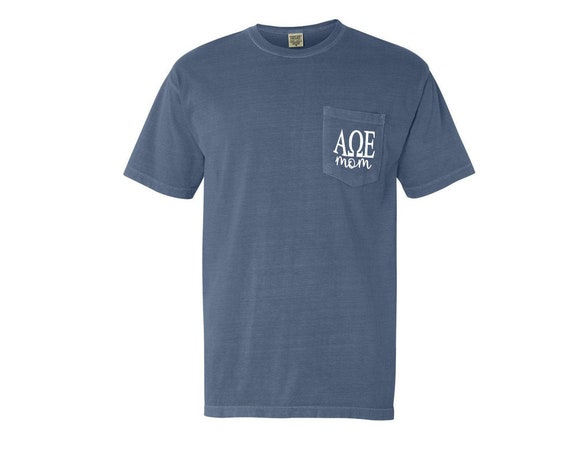 Alpha Omega Epsilon Mom Comfort Color Pocket T-shirt